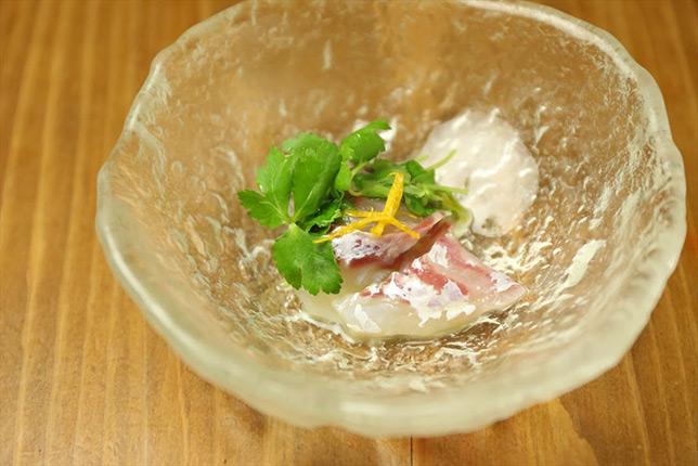 鯛の昆布〆ゆず三つ葉